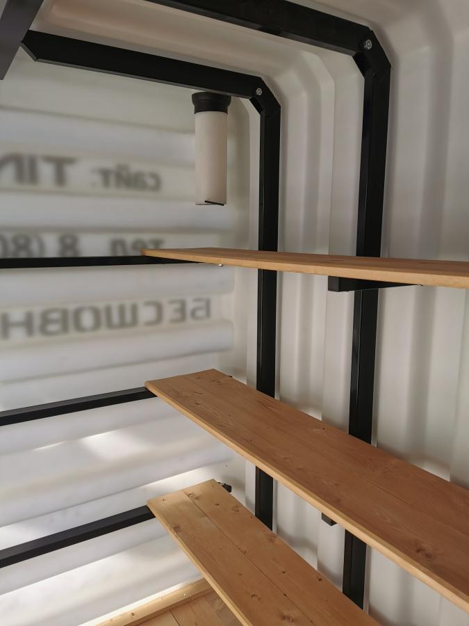 Podziemna-nowoczesna-piwniczka